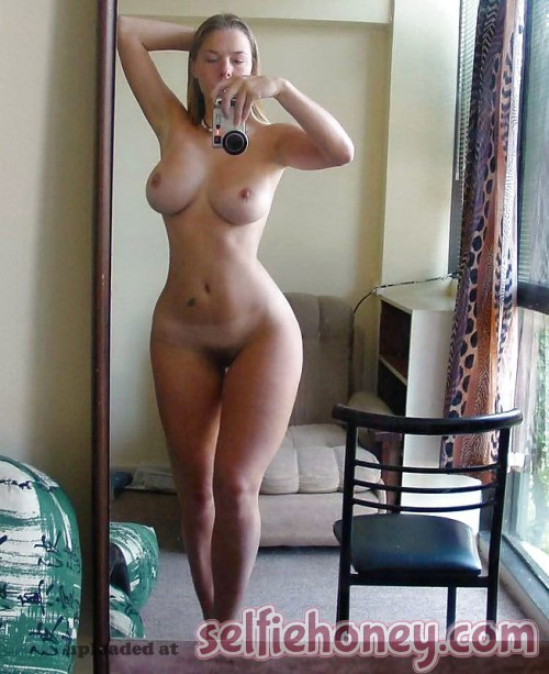 milfselfies 4 - Hot Mom Selfies