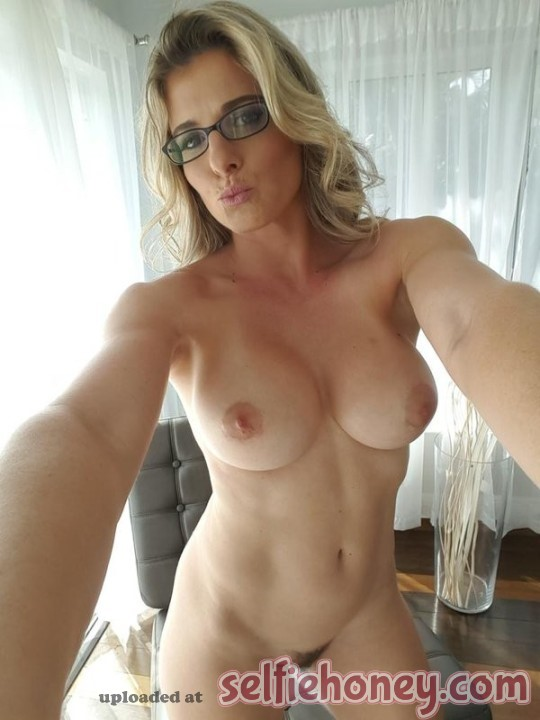 milfselfies 5 - Hot Mom Selfies
