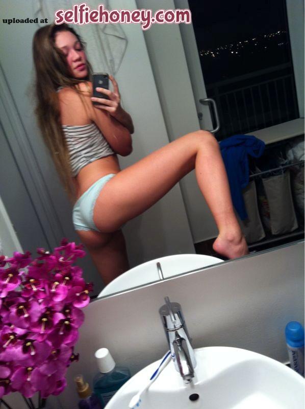 frenchgirlselfshot2 - French Girl Beauty Doing Self Shot