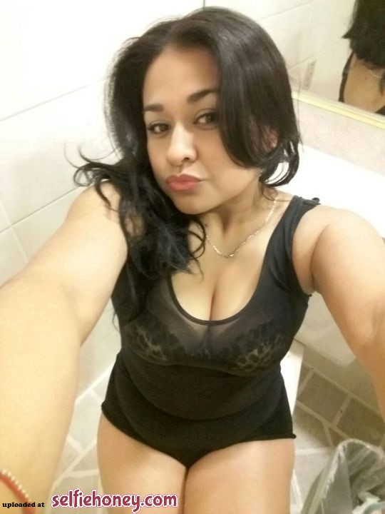 maturelatinamomselfie - Mature Latina Mom Selfie