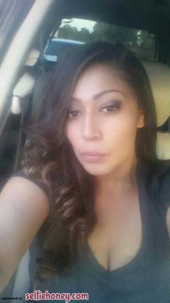 maturelatinaselfie3 576x1024 - Mature Latina Selfie