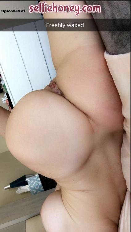 freshlywaxedpussy8 - Freshly Waxed Pussy Selfie