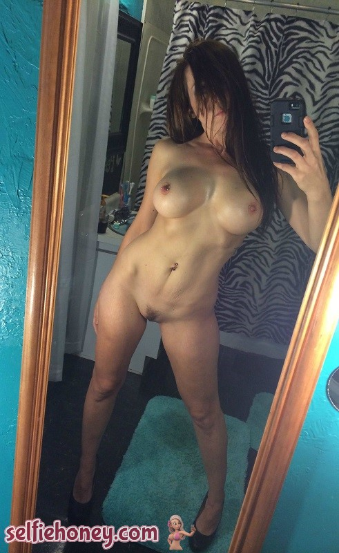 nakedmilfselfie5 - Naked Milf Selfies