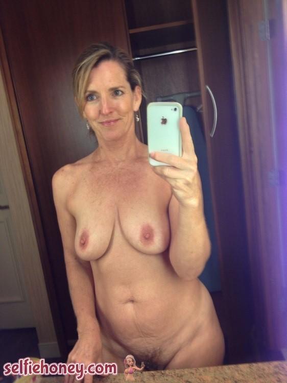 nakedmilfselfie6 - Naked Milf Selfies