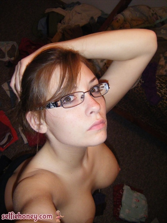 cutegirlwithglassesselfie11 - Cute Girls With Glasses Selfie