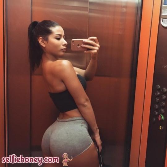 elevatorselfie7 - Sexy Elevator Selfie