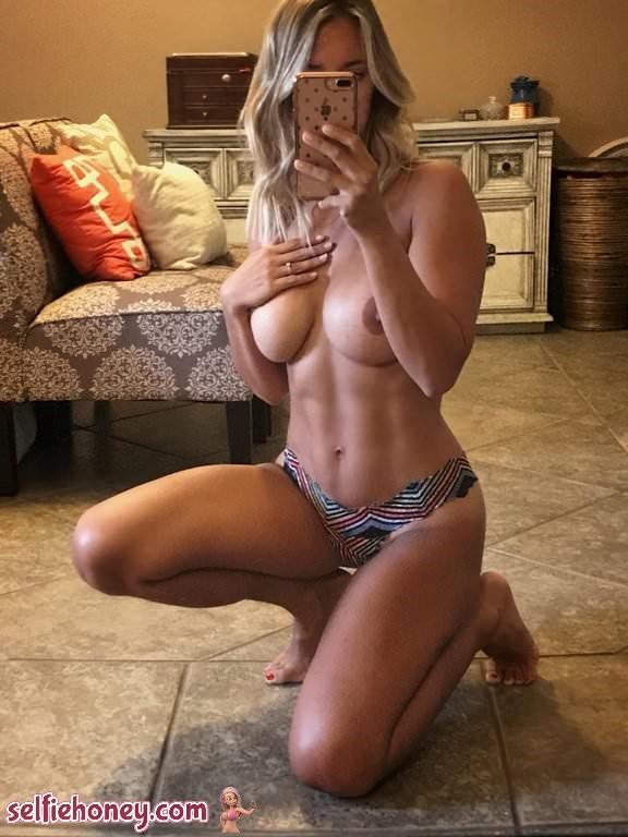 fitnudeselfie2 - Fit Nude Selfie
