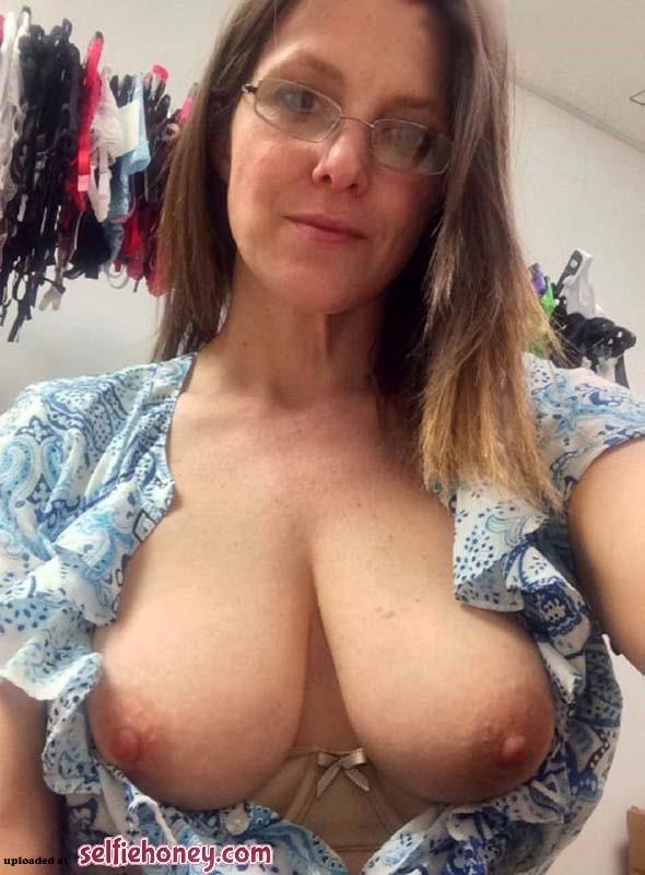 maturemilfselfie10 - Real Amateur Wife Selfie