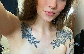 milfwithtattooselfie2 326x210 - Hot Milf with Tattoo Selfie