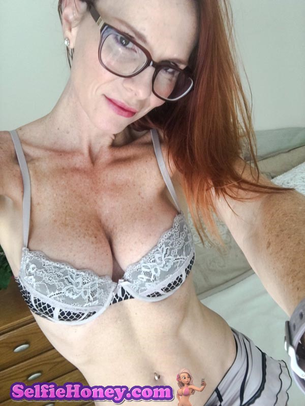 freckledmilf1 - Milf with Freckles Selfies