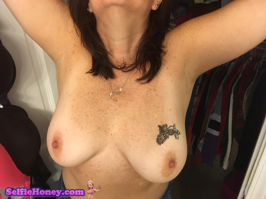 freckledmilf2 - Milf with Freckles Selfies