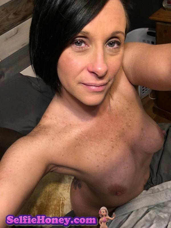 freckledmilf8 - Milf with Freckles Selfies